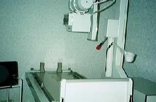 X線施設にて腹部、胸部をはじめとして、身体各部のX線検査とバリウム検査にも使用しています。